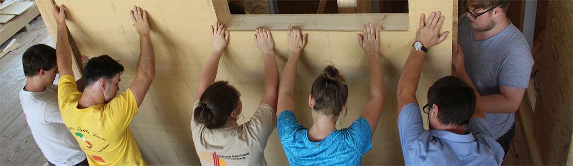 Sozialprojekt 2018 des Ausbildungsschwerpunktes Holzbau
