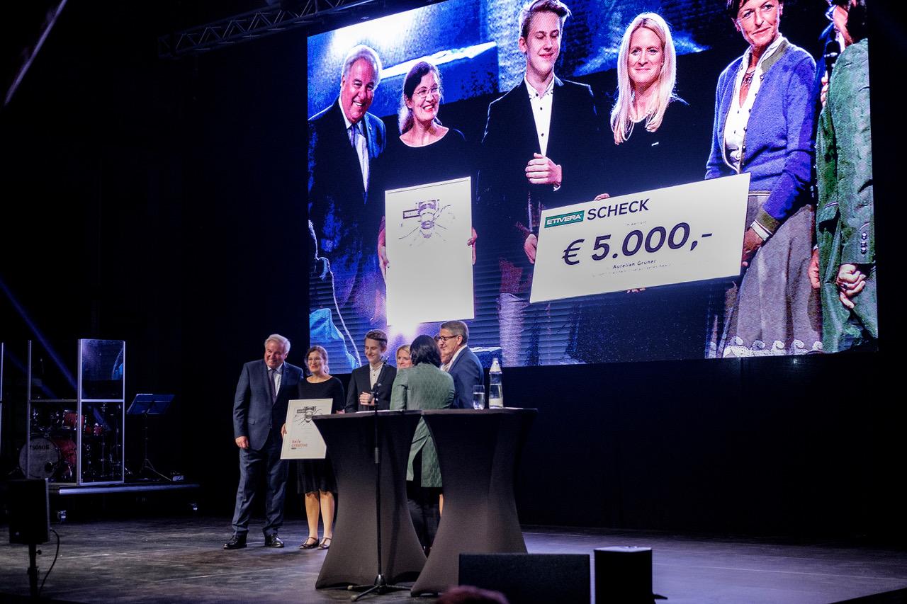 Schüler des 5. Jahrgangs Grafik und Kommunikationsdesign gewinnt Etiketten-Award