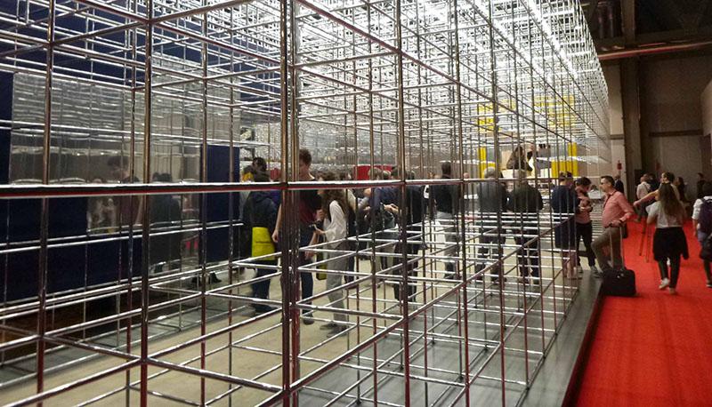 LINC1-Studenten bei der internationalen Möbelmesse 2018 in Mailand